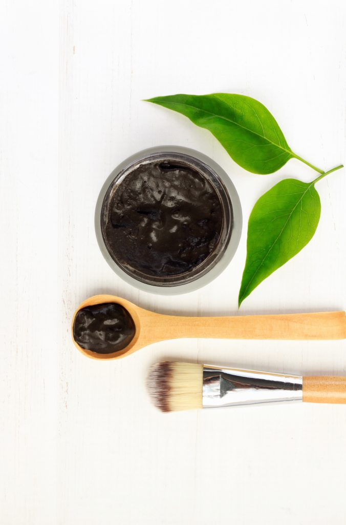 acné et charbon végétale